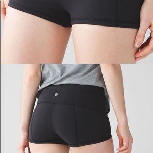 Lulu Wunder under shorts